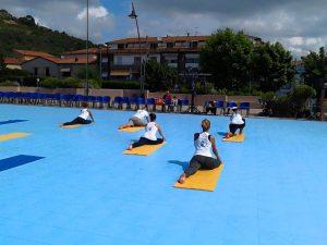 Castiglione della Pescaia Yoga in Piazza - Julia Reis